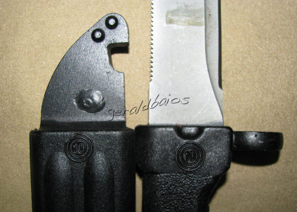 akm74-002