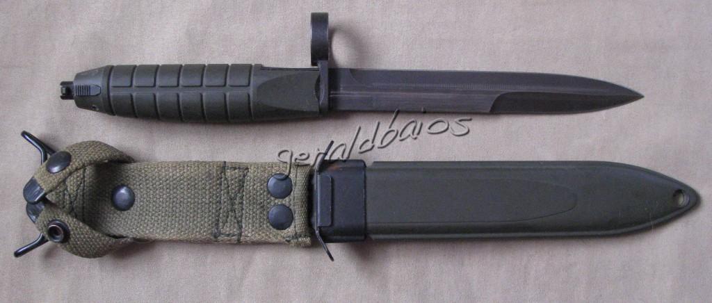 AK4 01